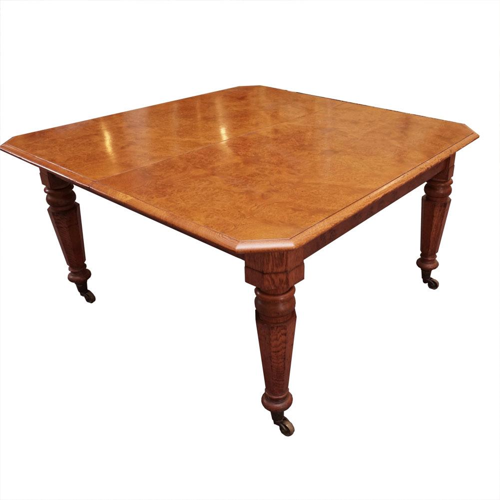 Polar oak table