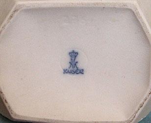 Kaiser signed vase2