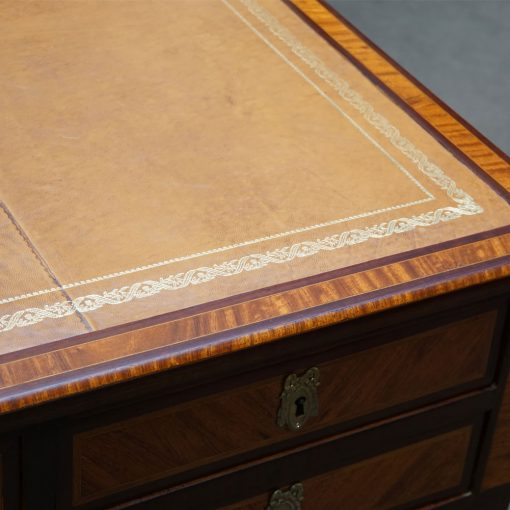 Louis XVI style desk2