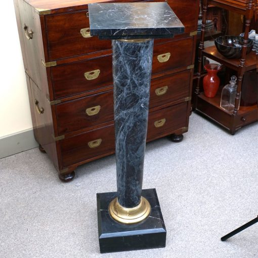 marble stand2