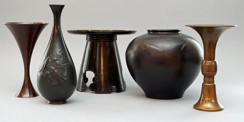 Japanese bronze vases forms