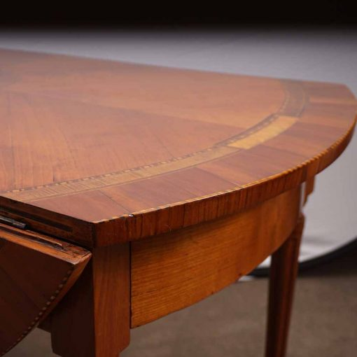 Cherry wood table detail