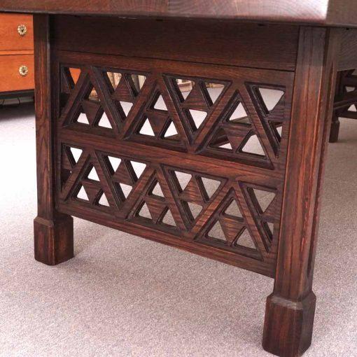 Oak trestle table2