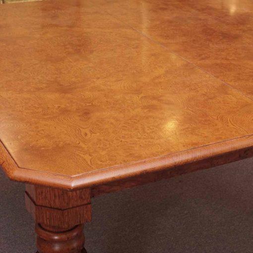 Polar oak table2