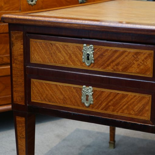 Louis XVI style desk3