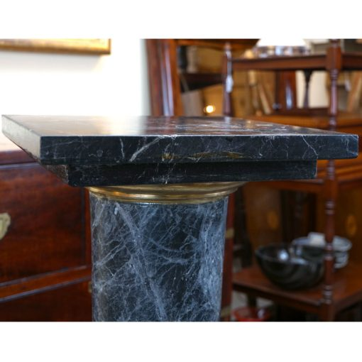marble stand3