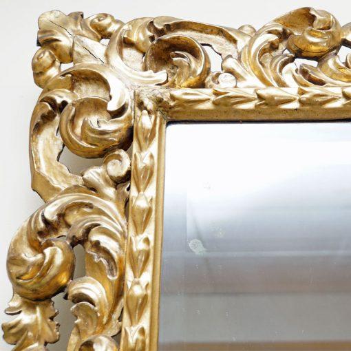 Italian gilt wood mirror5