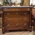 French commode2